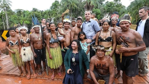 Tan racista que duele: hasta los Bolsonaro ironizaron contra los dichos de Fernández