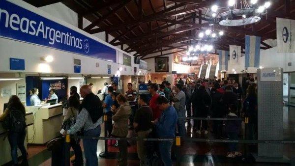 Aerolíneas Argentinas suspendió dos vuelos a Venezuela