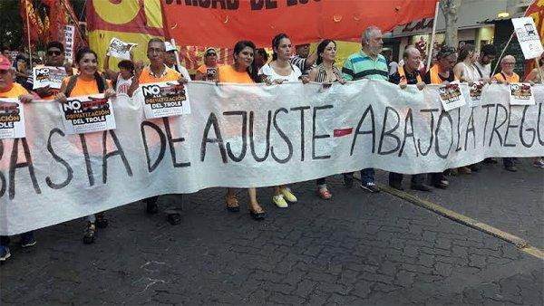 En Mendoza conmemoraron las jornadas de diciembre de 2001 con una marcha