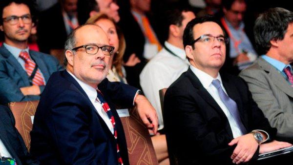 Chile: renuncian los ministros de Hacienda y de Economía de Bachelet
