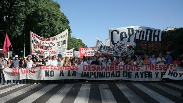 El Frente de Izquierda llama a mantener el acto independiente del 24 de marzo