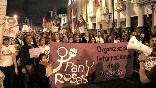 8M en Costa Rica: nace Pan y Rosas