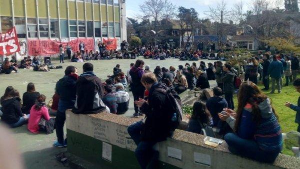 Mar del Plata: se conformó la coordinadora de estudiantes y trabajadores en lucha