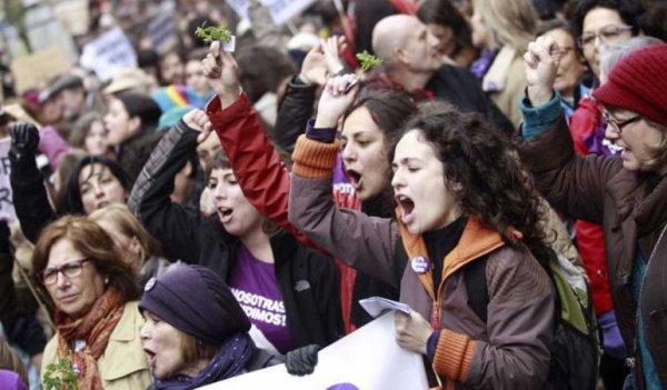 Las contradicciones del capitalismo y un movimiento de mujeres que cuestiona todo