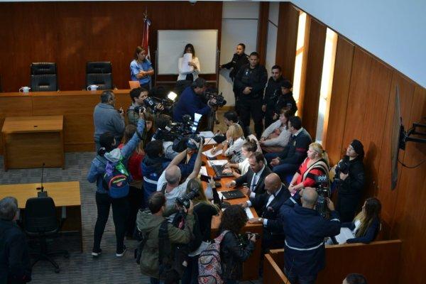 Endeble defensa de los imputados en el juicio por Paula Perassi