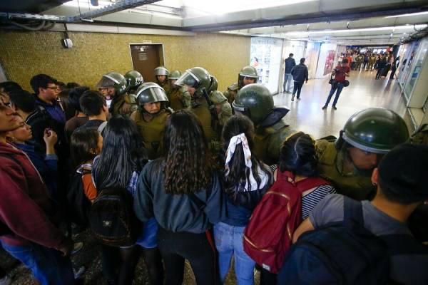 ¡No más alzas y represión! Por un transporte público estatal, gestionado por sus trabajadores y usuarios