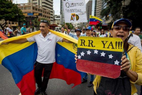La oposición encabeza marcha en Caracas