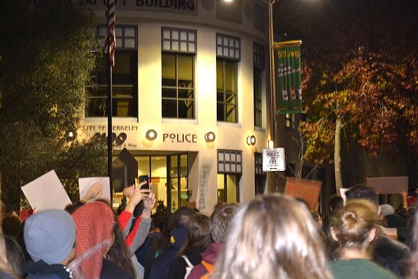 Continúan las protestas por Eric Garner y Mike Brown