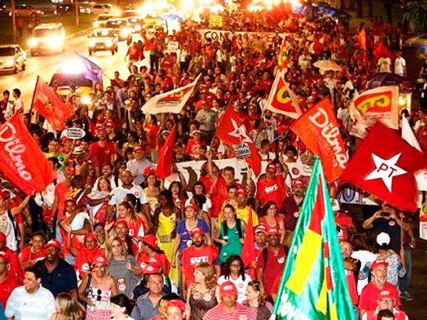 Brasil: marchas en todo el país en defensa de Dilma