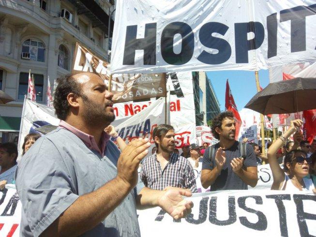 Trabajadores del Posadas y del INTI marcharon en contra de los despidos